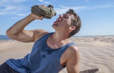 Alcuni errori nutrizionali possono aumentare la percezione del caldo e favorire la disidratazione. Ecco come contrastarli.