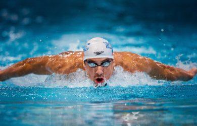 Il campione Michael Phelps ha sempre dichiarato che uno dei segreti è stata la sua dieta da 12.000 kcal giornaliere. Realtà o provocazione?