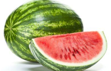 Hai sempre pensato che il cocomero fosse solo acqua? Sbagliato! C'è qualcos'altro che devi sapere in merito a questo frutto estivo.