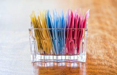 Perché i dolcificanti non sono riusciti a rimpiazzare completamente lo zucchero nei prodotti? Ecco 5 validi motivi che finora ne hanno limitato l'uso.